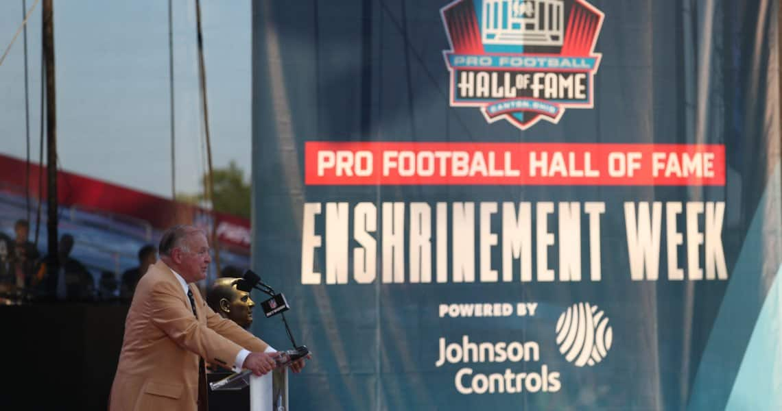 Former Green Bay Packer Jerry Kramer gives his acceptance speech following his induction in the Pro Football Hall of Fame during Enshrinement Week Powered by Johnson Controls.