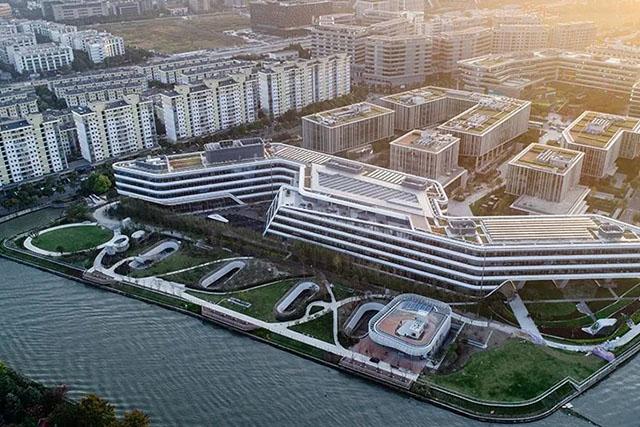 约克中央空调江西经销商受邀参观江森亚太总部